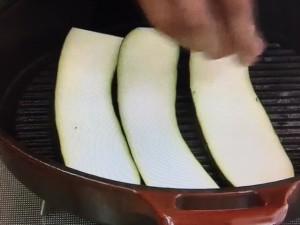 モコズキッチン ササミと野菜のグリル