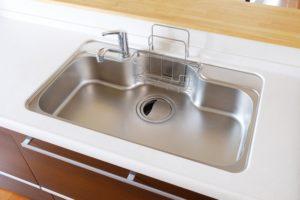 キッチン シンクや蛇口の水垢・ぬめり掃除は重曹&クエン酸のダブル使い