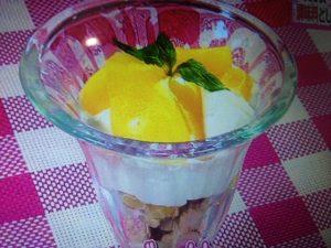 冷しゃぶのヨーグルトダレ&マンゴーパフェ レシピ【ヒルナンデス】