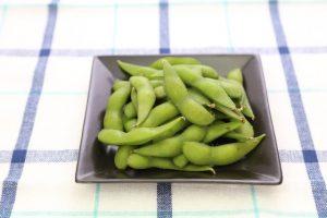 枝豆は買ってきたまま冷凍保存して、凍ったまま茹でる