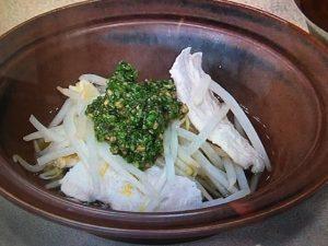 【キューピー3分クッキング】もやしとささ身の鍋 にらソース レシピ