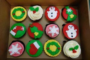 プレゼントにも喜ばれる可愛いクリスマス カップケーキ 簡単レシピ