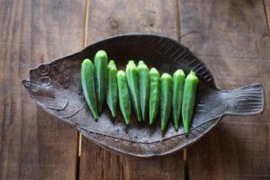 オクラの栄養成分を逃さない効果的な食べ方。茹で方や時間に注意。