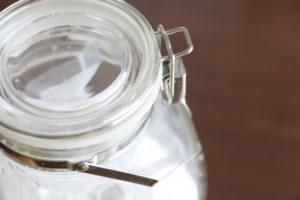 大きいサイズの保存瓶の消毒の仕方。煮沸やアルコールスプレーのやり方。