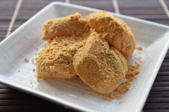 片栗粉で作るわらび餅の作り方。世界一受けたい授業のレシピ。