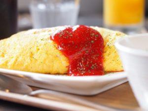 焼きおにぎりでオムライスが作れる!冷凍焼きおにぎりのアレンジレシピ。