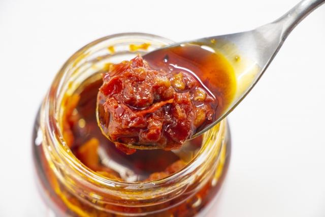 おうちで作れる食べるラー油の自家製簡単レシピ。中華料理のプロ直伝。