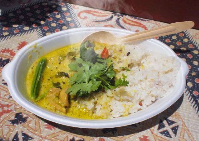 タイ風カレー&焼き鳥 レシピ。ピーマン豆乳ペーストを使って。
