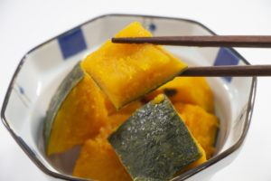 かぼちゃと鶏肉の甘辛煮の作り方。かぼちゃの煮物レシピ。