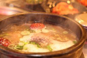 鶏ひき肉とザーサイの即席冷やしクッパ レシピ。キムチ入りのクッパ。