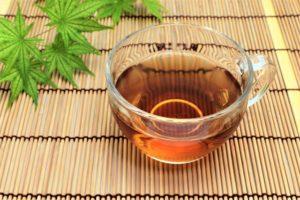 熱中症対策に効果的!麦茶にちょい足し「梅はち麦茶」の作り方