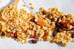 クラッシュナッツの作り方&アレンジレシピ。冷凍すると簡単に砕ける!