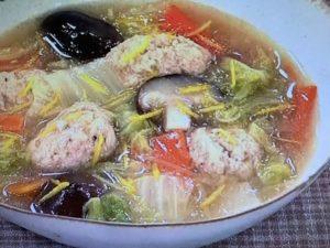 おから入りでふわふわ食感!鶏団子の白菜煮 レシピ。