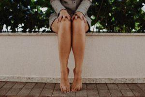 足がむくむ原因&足のむくみを10分で解消する方法