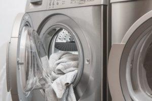洗濯物についたティッシュを取る裏ワザ的な方法