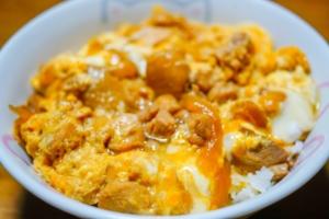 【ヒルナンデス】鶏もも肉のだし煮&フワとろ親子丼。ゆーママさんのレシピ。