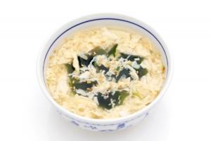 【家事ヤロウ】餅入りわかめスープ レシピ